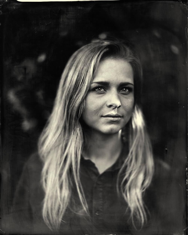 Portrait photographique de Camille Gérard lézards création agence communication publicité vosges
