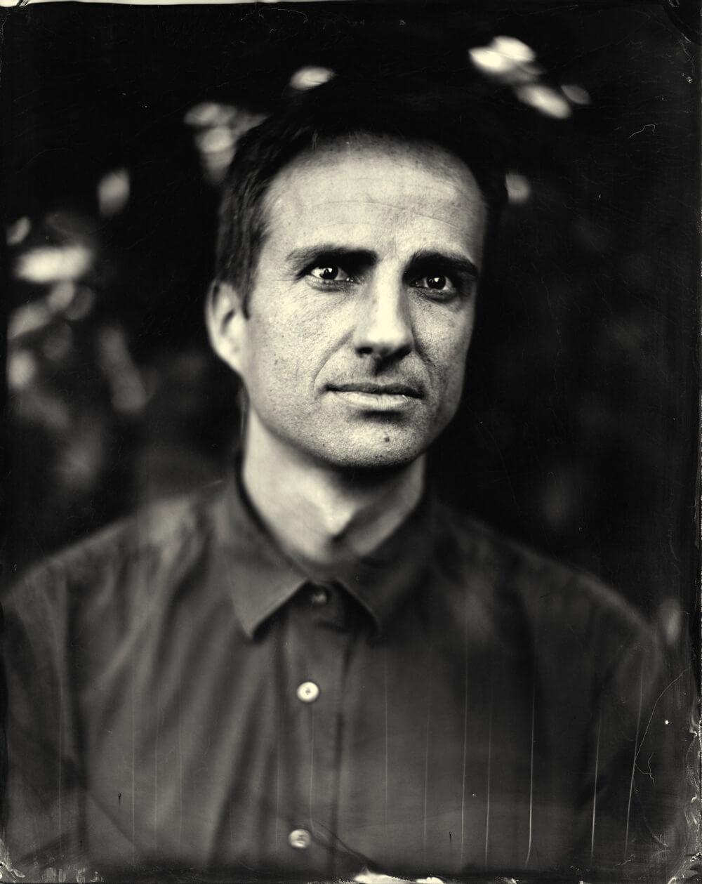 Portrait photographique de Matthieu André lézards création agence communication publicité vosges