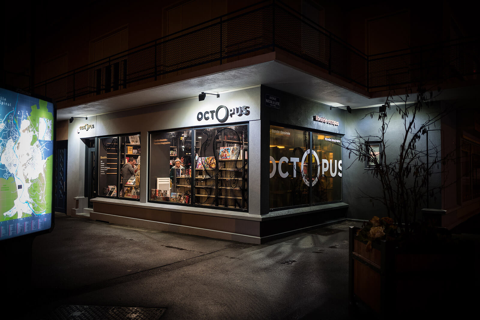 Librairie Octopus réalisé par Lézards Création